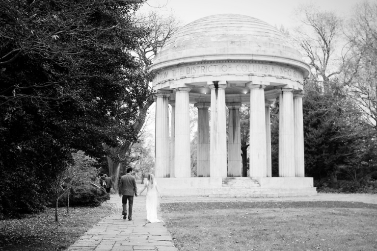04_engagement_portraits_monuments_dc_blog