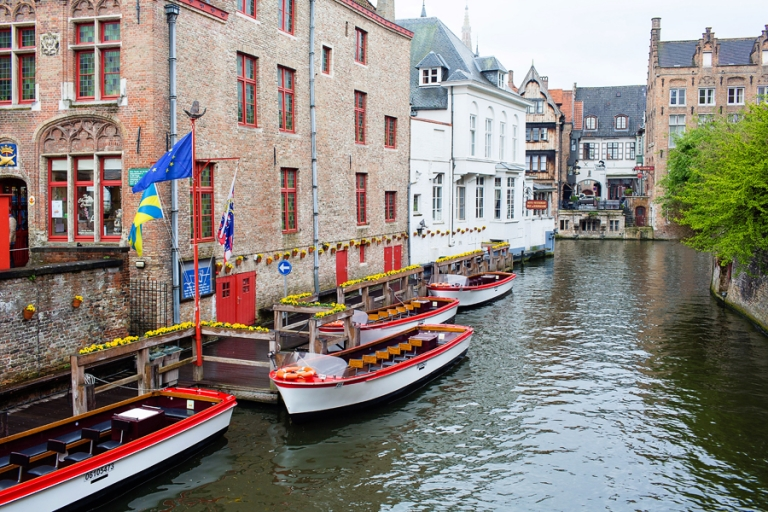 02_bruges_belgium_rainy_day_blog
