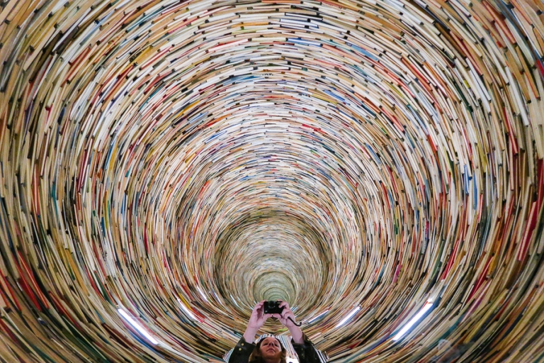 book-tunnel